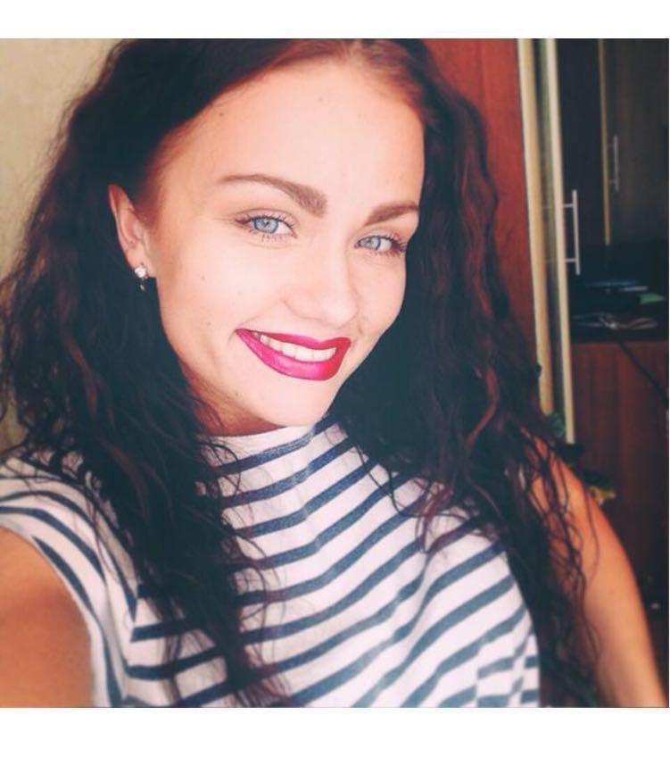 3) Anna Lisuk