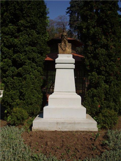 hlavka monument
