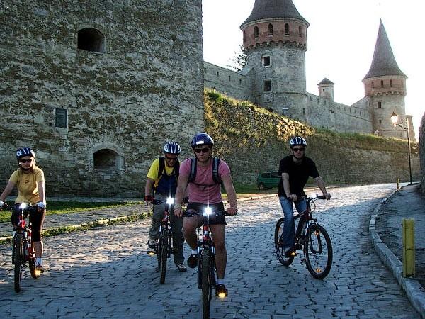 kamianets-podilskyi-castle-biking